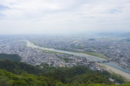 从岐阜城堡天使看到的岐阜市和长良河