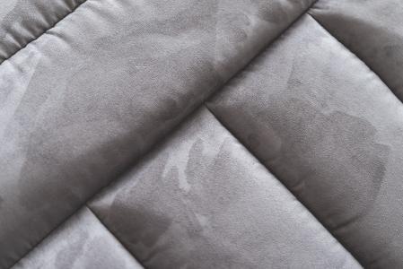 灰色绒面革沙发摘要关闭