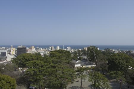 小田原城堡免费从城堡塔看到的小田原市的照片