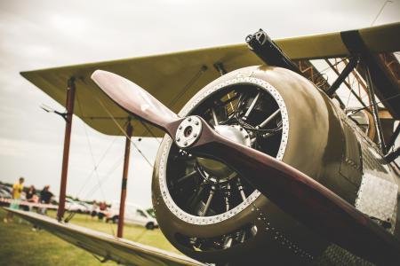 老飞机螺旋桨