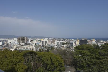 小田原城堡从城堡塔看到的小田原和三浦半岛的免费照片