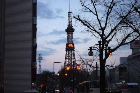 札幌电视塔在晚上免费股票照片