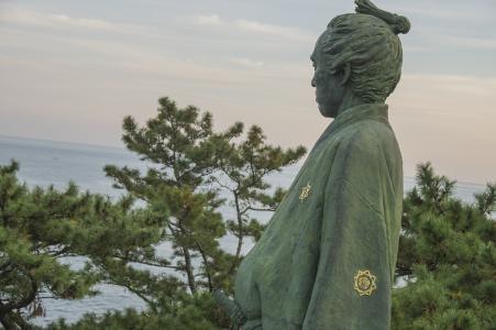 坂本龙马雕像免费图片