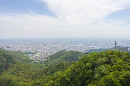 从岐阜城堡天使看到的岐阜山和城市的免费照片