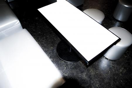 小吃店桌子股票照片材料