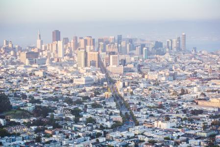 金融区摩天大楼的城市景观视图在旧金山,加利福尼亚州