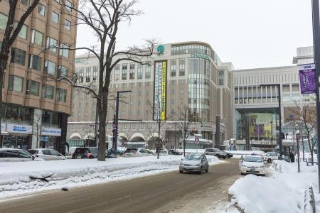 在札幌站前的免费股票照片在冬天