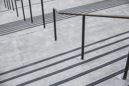 清洁简约混凝土楼梯