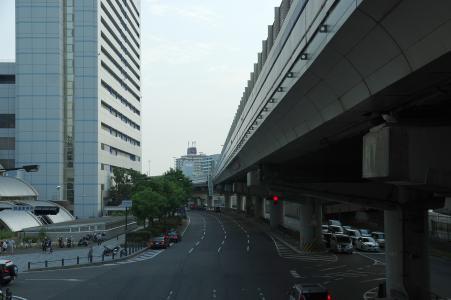 神户站前的道路免费照片