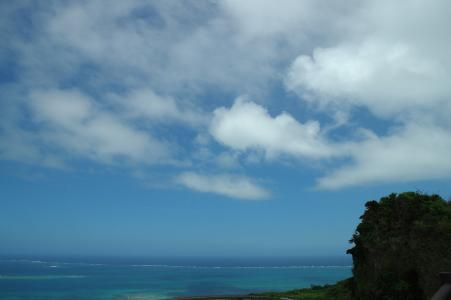 免费的冲绳海洋和云的照片
