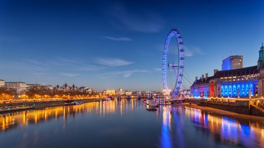 伦敦之眼的华灯璀璨