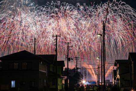 日本街头的烟火大会