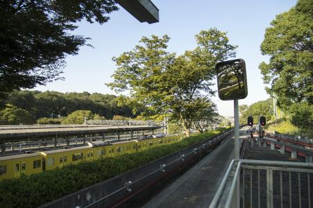 Seibutsubashiba站家和西武铁路免费库存照片