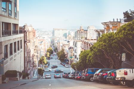 美妙的景色下到旧金山街