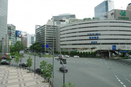 免费图片在梅田站附近