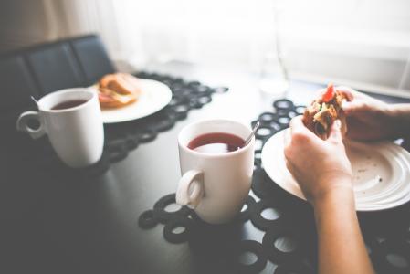 与茶的健康早晨快餐