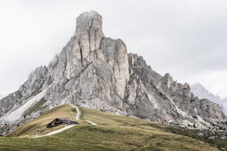Giau通行证山La Gusela峰顶,白云岩,意大利