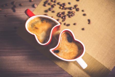可爱和浪漫的心脏咖啡杯