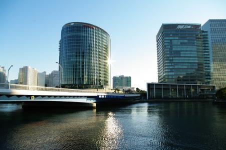 在港未来桥附近的免费照片
