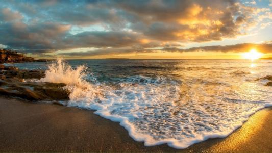 壮观的海浪潮汐