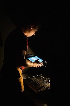 黑暗中的幕后工作者