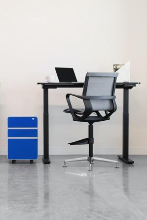 一个极简主义者的办公桌