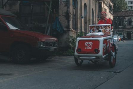 曼谷的冰淇淋推销员