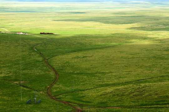 内蒙古乌里雅斯太山旅行景区风光图片
