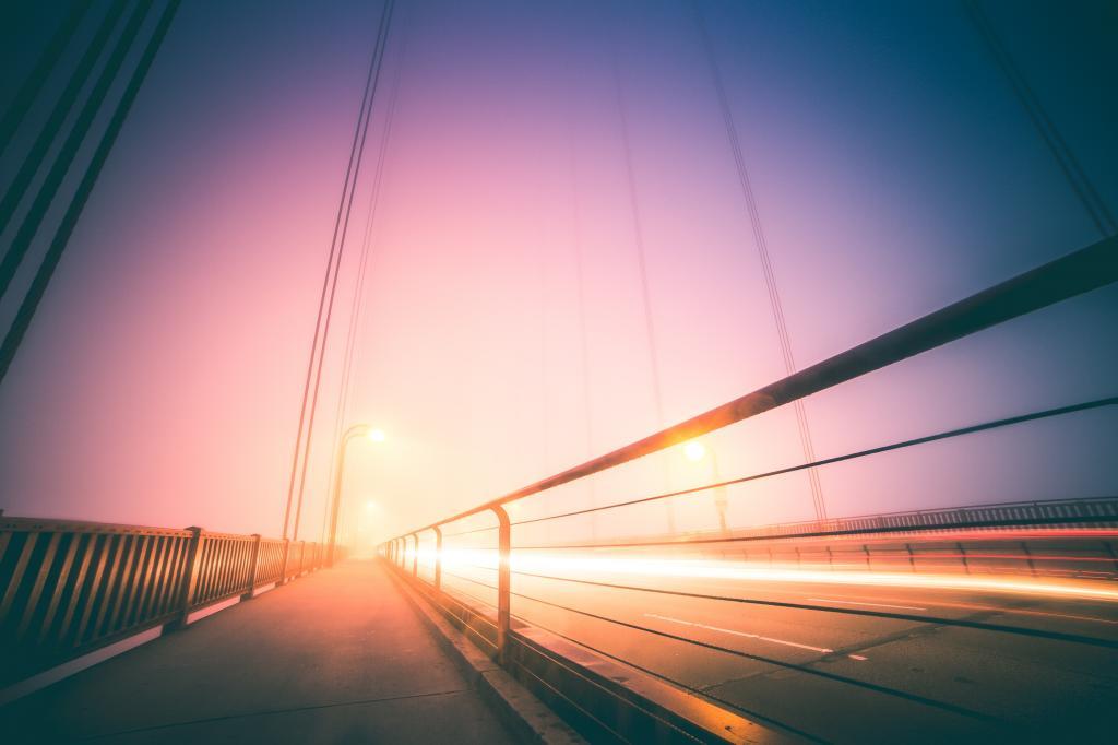 金门大桥抽象夜有雾的交通