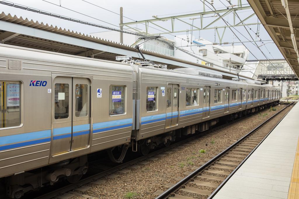 京王1000系列火车免费照片库存