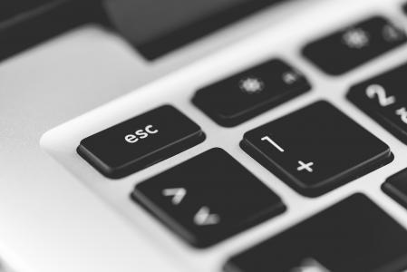 逃命关键笔记本电脑键盘关闭