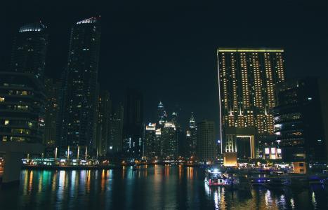 滨海灯,迪拜