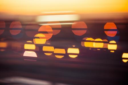 晚上日落抽象城市灯景