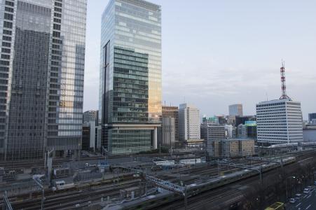 东京站周围的高层建筑免费照片