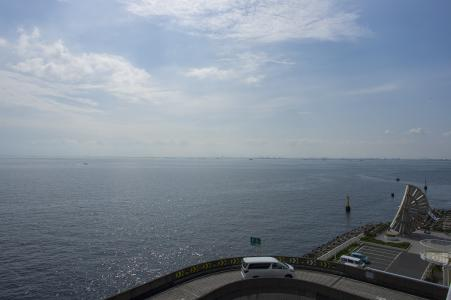 从Umihotaru可以看到的海和高速公路的免费照片