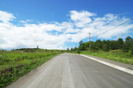 免费股票照片的蓝蓝的天空和直路
