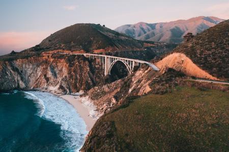 地中海大桥日落美景