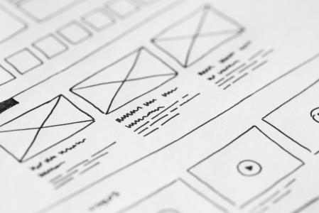 网站布局线框想法在纸上草绘